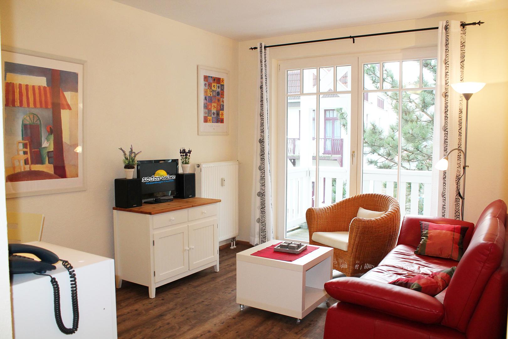 2 zimmer 2 zimmer in ostseebad k hlungsborn bis 2 personen sodan ostsee. Black Bedroom Furniture Sets. Home Design Ideas